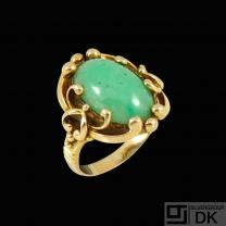 Aage Weimar - Copenhagen. 14k Gold Ring with Jade.