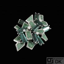 18k White Gold Brooch with Tourmaline, Nephrite and Diamonds.