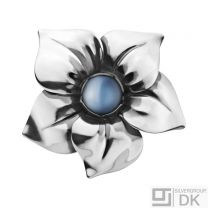 Georg Jensen FLOWER Ring # 562 A with Blue Moonstone