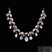 8k Gold Necklace with Moonstones.