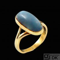 A. Dragsted - Copenhagen. 14k Gold Ring with Moonstone.