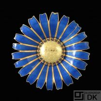 A. Michelsen. Gilded Silver Daisy Brooch / Pendant with Blue Enamel. 50mm.