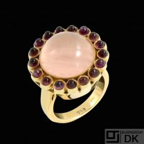 Bjarne B. Knudsen.18k Gold Cocktail Ring with Rose Quartz and Amethysts.