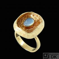 Danish Design. 14k Gold Ring with Moonstone.