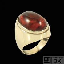 Einer Bernhard Fehrn. 14k Gold Ring with Amber. 1960s