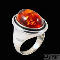 Einer Bernhard Fehrn. Art Nouveau Sterling Silver Ring with Amber.
