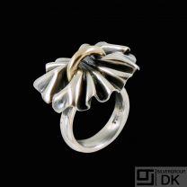 Georg Jensen. Sterling Silver Ring with 18k Gold #400 - Lene Munthe - 51mm.
