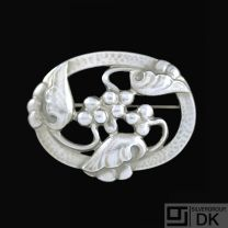 Georg Jensen. Sterlng Silver Brooch #101 - MOONLIGHT GRAPES - DENMARK