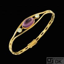 14k Gold Bangle / Bracelet with Amethyst and two Diamonds 0,20ct.