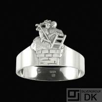 H.C. Andersen Fairy Tale Silver Napkin Ring. 'Hyrdinden & Skorstensfejeren'
