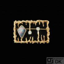 John Victor Rørvig - Copenhagen. 18k Gold Brooch with Opal and Diamonds - 1960s