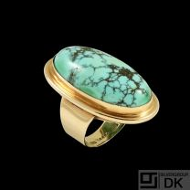Larsen & Borkær - Copenhagen. 14k Gold Ring with Turquoise.