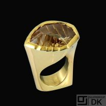 Allan Scharff. 18k Gold Ring with Munsteiner Citrine.
