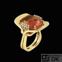 14k Gold Cocktail Ring with Citrine and Diamonds 0,16 ct.