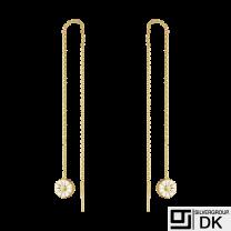 Georg Jensen. DAISY Threader Earrings. Gold plated Silver / white Enamel 7mm.