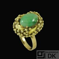 14k Gold Cocktail Ring with Cabochon Jade.