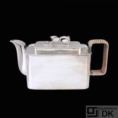 Arne Bang (1901 - 1983). Unika Art deco Sterling Silver Tea Pot- 1932.