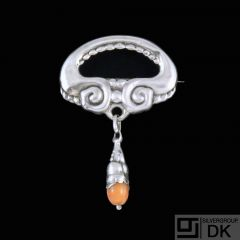 Gran & Laglye. Art Nouveau Silver Brooch with Amber.